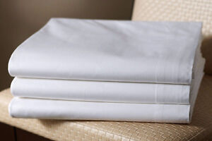 Spa table sheets, Towels,Luxury 100% cotton Bath robes Kitchener / Waterloo Kitchener Area image 2