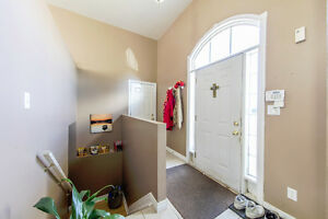 New Listing in East Windsor Windsor Region Ontario image 10