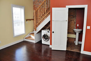 571-A Princess St - 4 Bedroom Apartment - Available Now!