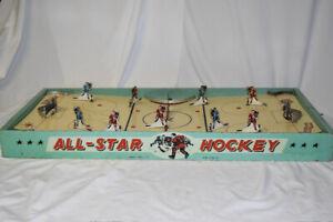 Vintage 1950's Munro Allstar Table Top Hockey Game