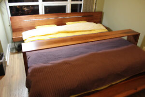 Handmade Solid Wood Platform King Bed with Latex Mattress