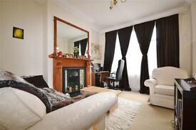 1 bedroom flat in Oakley Gardens, Hornsey, N8