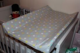 Changing mat for over cot