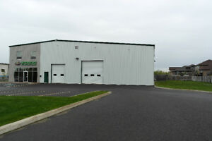 WAREHOUSE 7600 sq ft AVAILABLE NOW!