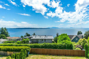 Unobstructed Panoramic Ocean View 3 bedrooms House in White Rock