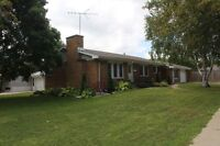 BEAUTIFUL FAMILY HOME W/LOTS OF SPACE! FOR $189,900.