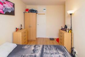 YS * Canary Wharf* Amazing Double Room at £165pw