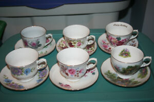Queen Anne Bone China from England 5 tea cups/saucers