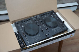 Behringer CMD Studio 4a DJ Controller with audio interface