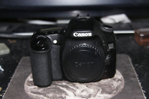 CANON EOS 30D  DIGITAL CAMERA BODY BARELY USED