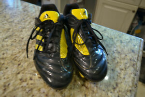 Soccer shoes, Boys, Adidas, size 10.5