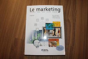 Titre: Le marketing (manuel universitaire)