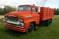 1958 Chev 2 Ton Snub nose grain box