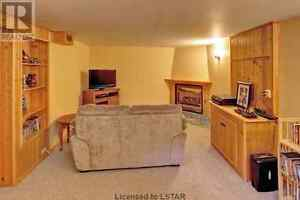 Room for rent in beautiful north east house London Ontario image 9