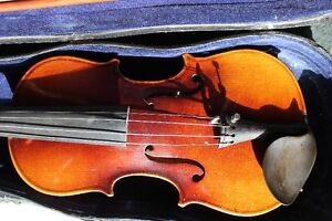 1920's-30's VIOLIN 1/2 Size, CASE, BOW (VIEW OTHER ADS) Kitchener / Waterloo Kitchener Area image 1