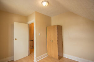 Room for rent for students- 500$ Peterborough Peterborough Area image 2