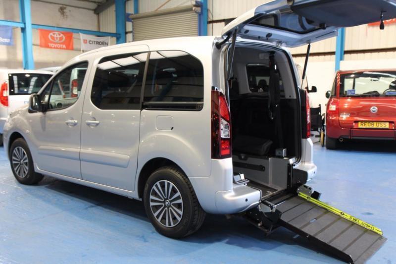 Peugeot Partner HORIZON S AC Auto Wheelchair car 3 / 5 seats M1 spec disabled