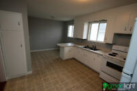 Large 3 Bedroom apartment building close to DOWNTOWN all INC