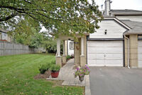 Credit Valley Executive End Unit Townhome 2 Master Suites!