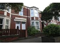 3 bedroom flat in Doncaster Road, Newcastle Upon Tyne, NE2