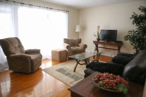 Rent Furnished 3/4 Bedroom House, Ancaster, Large Yard and Deck