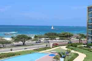 Luxueux Condo. moderne avec vue panoramique de l'Océan