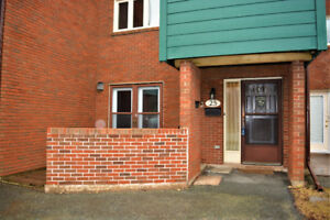 Three level townhouse condo for sale  (25 Braemont Dr Halifax)