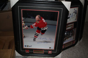 Bobby Hull autographed framed and matted 16x20