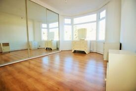 ***MODERN/SPACIOUS 1/2 BEDROOM FLAT IN PALMERS GREEN/WOOD GREEN***