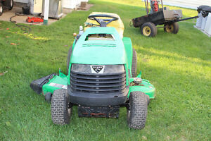 SABRE LAWN TRACTOR FOR SALE $350 London Ontario image 2
