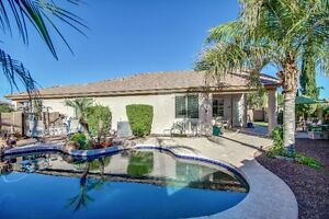 Phoenix 4 Bedroom with a Pool
