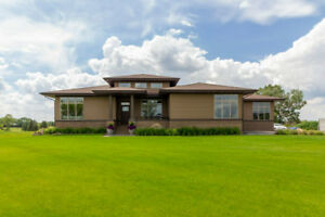 Custom built, Prairie style, Golf course home in S. Alberta