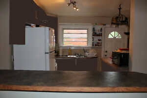 2 Rooms left-Wharncliffe/Oxford - Male students/work term London Ontario image 3