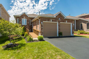 LOVELY COZY 3 BEDROOM BUNGALOW IN BARRIE FOR RENT !