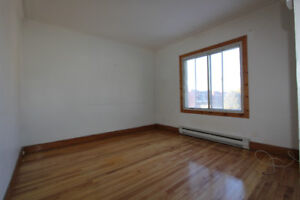 1292 Rolland , 41/2  for rent
