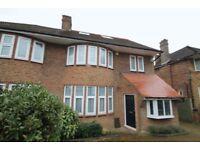 4 bedroom house in Northiam, Woodside Park, N12