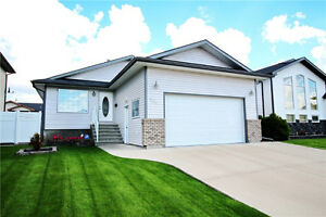 1355 SQ.FT 4 BEDROOM 3 BATHROOM BUNGALOW SAAMIS HEIGHTS