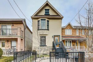 Stunning recently built 3+1 bedroom house at Dufferin and Dupont