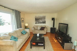 COMPLETELY UPDATED!! Cornwall Ontario image 2