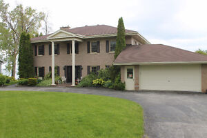 Meaford on The Bay-Beautiful Waterfront Home!