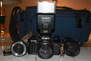 Minolta X-700 35mm Film Camera With 2 Lenses Flash & Camera Bag