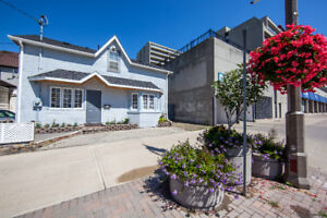 3 Bedroom Apartment in Duplex Building  in downtown Oshawa