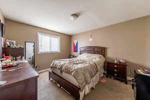 New Listing in East Windsor Windsor Region Ontario image 6