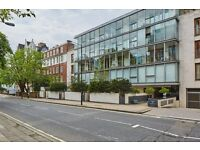 2 bedroom flat in Abbey Road, London, NW8