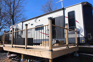 Heartland Lakeview Trailer with extras