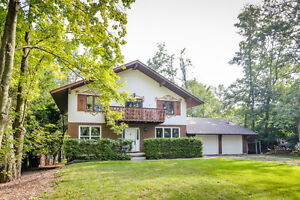 A little country 12 mins to Guelph, half an acre and 2136 sq ft+ Cambridge Kitchener Area image 1