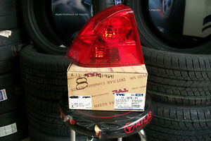 Honda Civic Sedan 2003 - 2005 4 Door Taillight Left Gauche New .