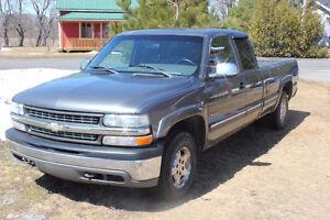 2001 Chevrolet Silverado 1500 5.3L boite longue, route ou pièce