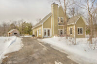 Rigaud Mountain Newer Home With Right to 4 Horses