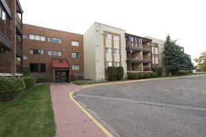 1240 sq ft condo with 2 bed,2 baths,PLUS an office/den
